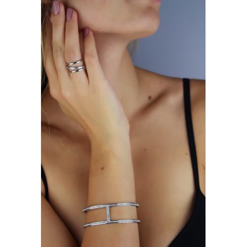 Женский браслет-манжет из медицинской стали с циркониями