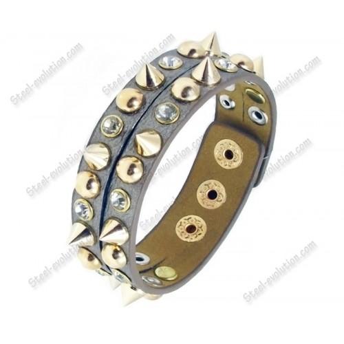 Кожаный браслет с шипами серебристый