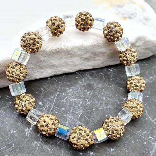 Браслет шамбала с золотистыми камнями