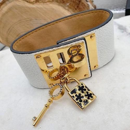 Белый браслет из натуральной кожи и ювелирного сплава Блонди