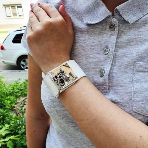 Браслет на руку из белой кожи со стальной застежкой