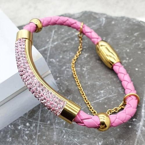 Кожаный браслет на руку с розовыми фианитами и стальной застежкой