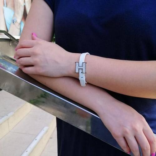Женский браслет на руку из белой кожи Хелена