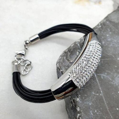 Кожаный браслет из тонких жгутов с декором из фианитов