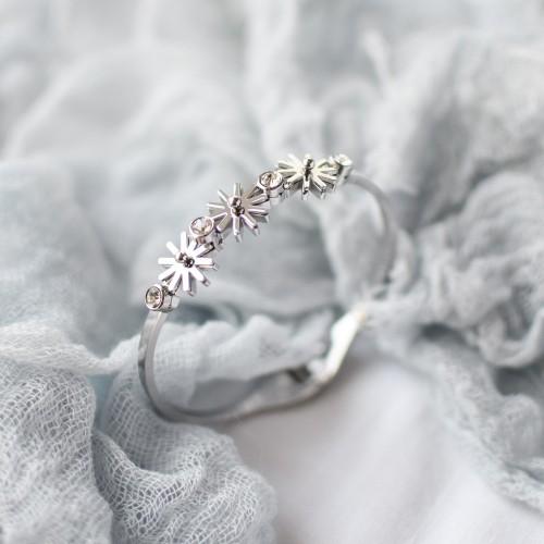 Женский браслет из стали с цветочным декором