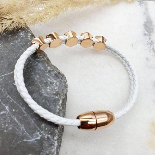 Белый браслет из натуральной плетеной кожи Пять кристаллов