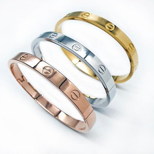 Браслет-обруч на руку из ювелирного металла женский