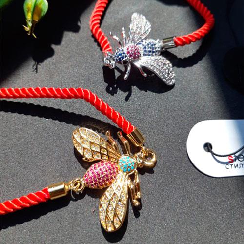 Браслет оберег красная нить на руку бижутерия Золотая муха