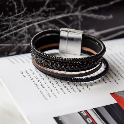 Изящный женский браслет-напульсник Мозаика из натуральной темно-коричневой кожи