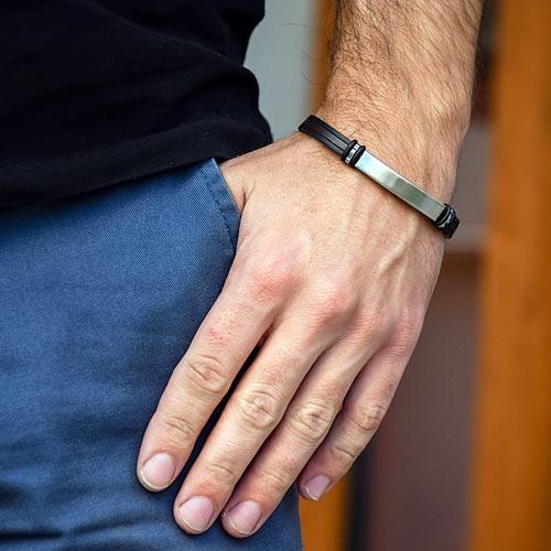 Каучуковый браслет с кожаной вставкой и пластиной из ювелирной стали для гравировки