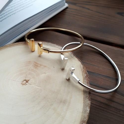 Браслет незамкнутый жесткий из ювелирной стали Мунлайт в двух цветах