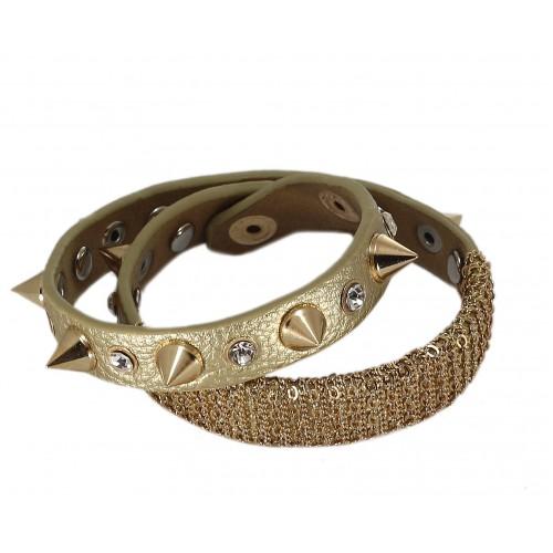 Кожаный браслет с шипами золото