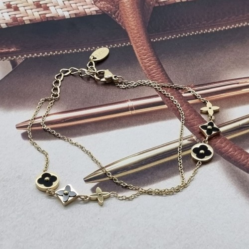 Стильный браслет-цепочка из медицинской стали Клевер с эмалью