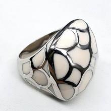 Стальное кольцо с эмалью женское Румия