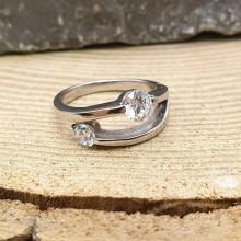 Кольцо стальное с циркониями Гуэйя