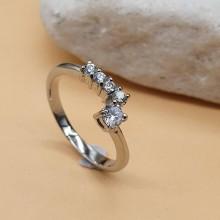 Стальное кольцо с циркониями Фемина