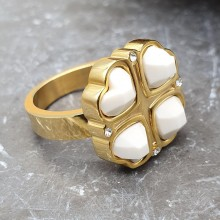 Кольцо из медицинской стали женское Белый клевер золото