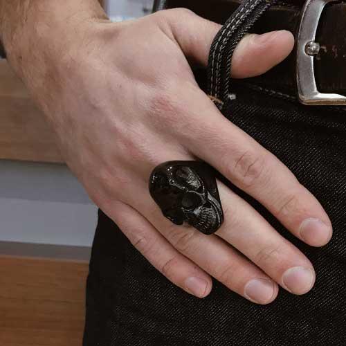 Байкерское кольцо из стали Черный череп