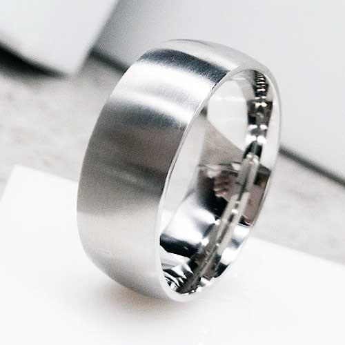 Парные обручальные кольца из медицинской стали 8 мм матовое