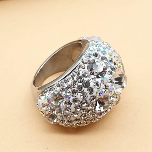 Массивное кольцо с кристаллами цвета хамелеон 2,5 см