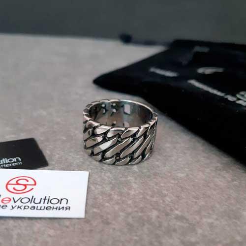 Байкерское стальное кольцо в виде панцирного плетения