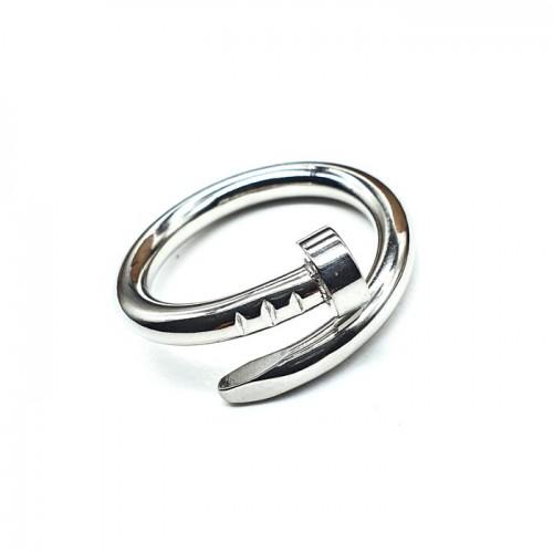 Женское кольцо из стали в форме гвоздя
