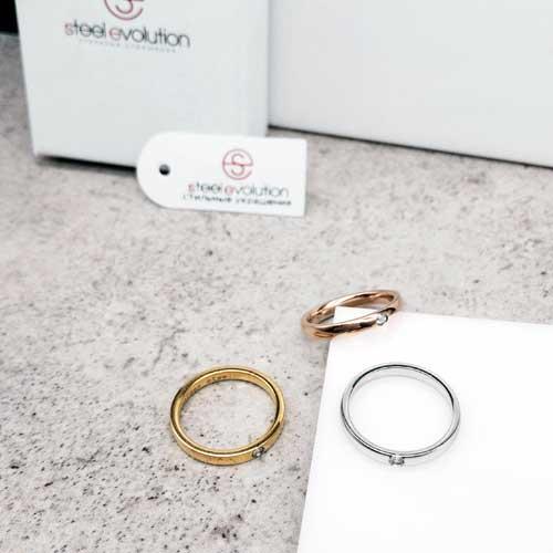 Женское кольцо из стали Тринити
