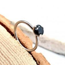 Женское изящное кольцо из медицинской стали с черным кристаллом