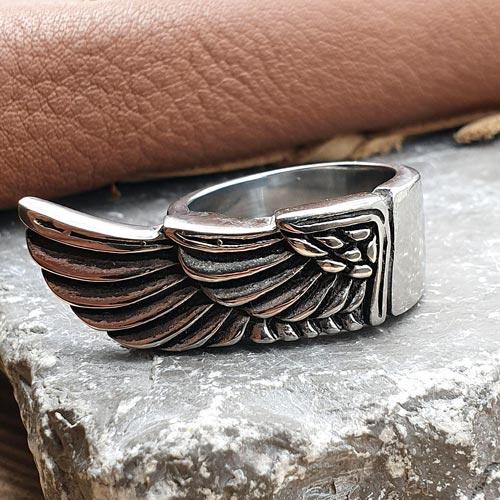 Байкерское кольцо из медицинской стали Крыло