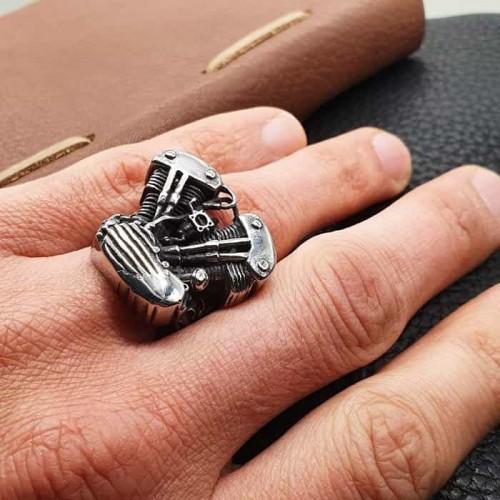 Байкерское кольцо из медицинской стали Двигатель