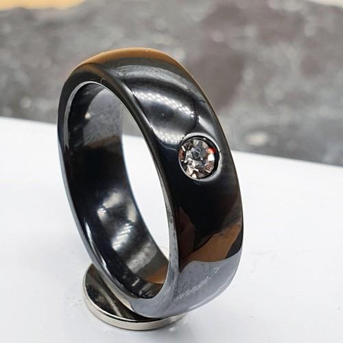 Керамическое кольцо с фианитом женское черное