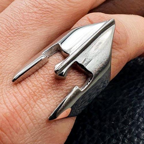 Байкерское кольцо из медицинской стали Легионер