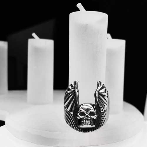 Байкерское кольцо из медицинской стали Череп с крыльями