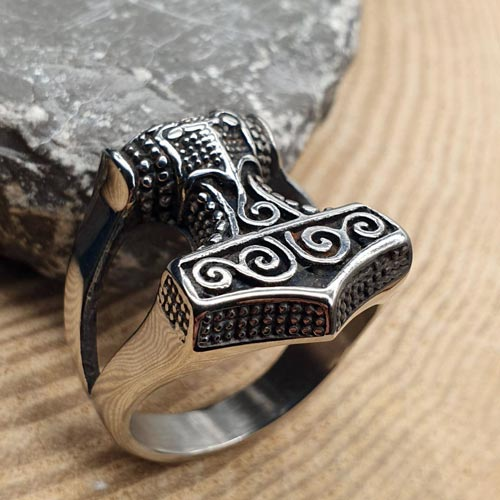 Байкерское кольцо из медицинской стали Молот Тора