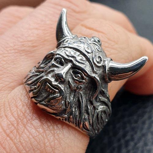 Байкерское кольцо из медицинской стали Колосс