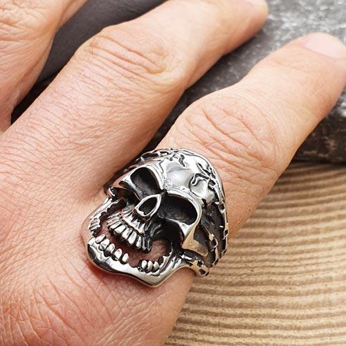 Байкерское кольцо из медицинской стали Череп Кроу