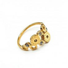 Эффектное кольцо из стали с циркониями и римскими цифрами