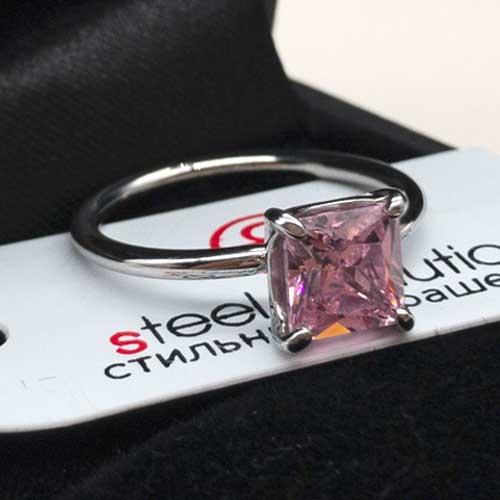 Женское стальное кольцо с квадратным розовым фианитом
