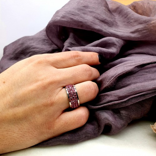 Женское кольцо с кристаллами цвета фуксии Swarovski