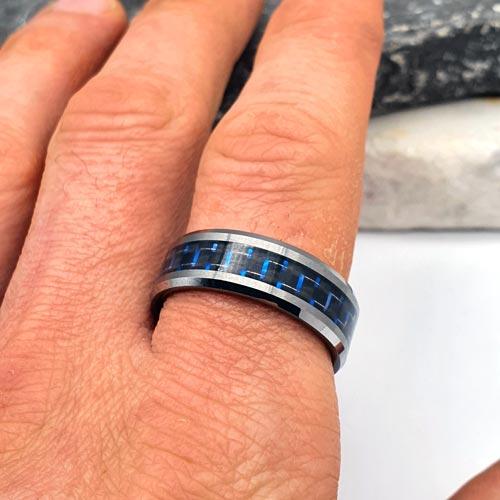 Вольфрамовое кольцо Царь/Царица ночи с карбоновой вставкой синего цвета