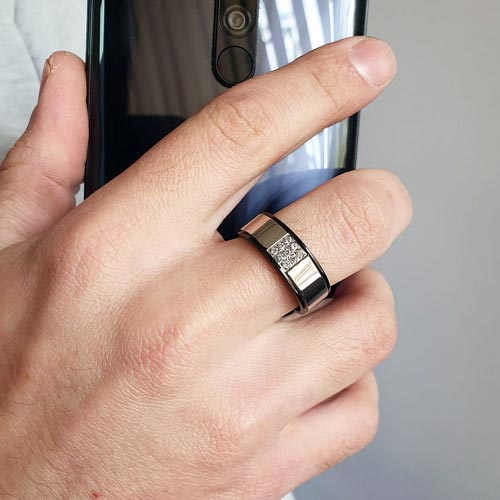 Кольцо из комбинированной медицинской стали с кубическим цирконием