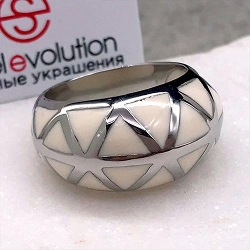 Женское кольцо с белой эмалью Эмине