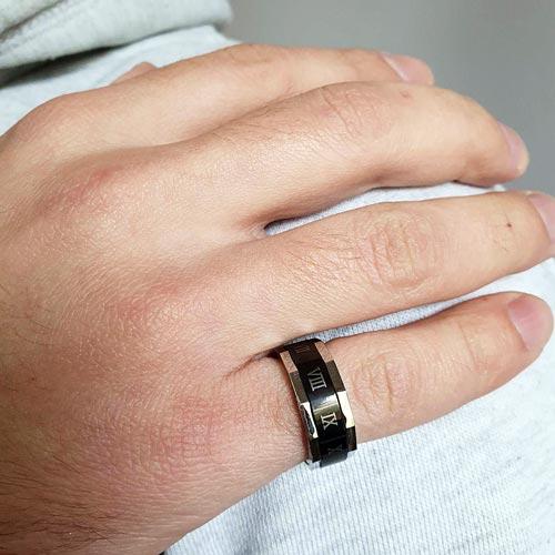 Кольцо антистресс из медицинской стали мужское с оборачивающимся элементом Римские цифры
