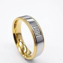 Стальное обручальное кольцо с шестью циркониями сталь/золото 5 мм