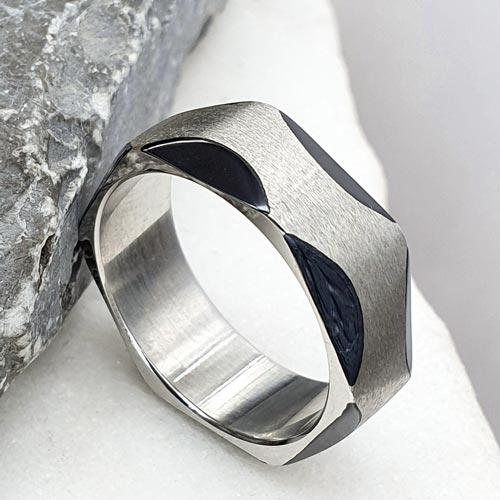 Кольцо из медицинской стали с черной эмалью
