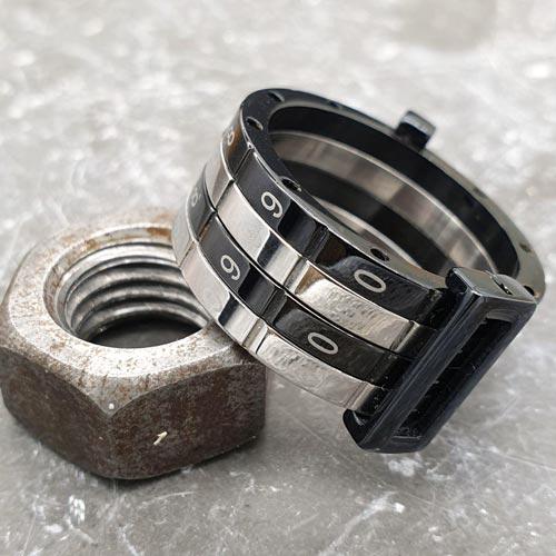 Кольцо из медицинской стали мужское Swatch Secret Code