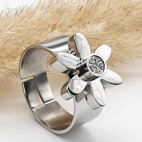 Женское кольцо из стали Стальная ромашка