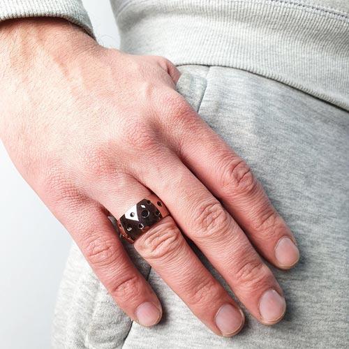 Кольцо из медицинской стали уникекс темно-фиолетового цвета Перфорация