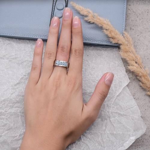 Кольцо женское со светло-синими кристаллами Swarovski