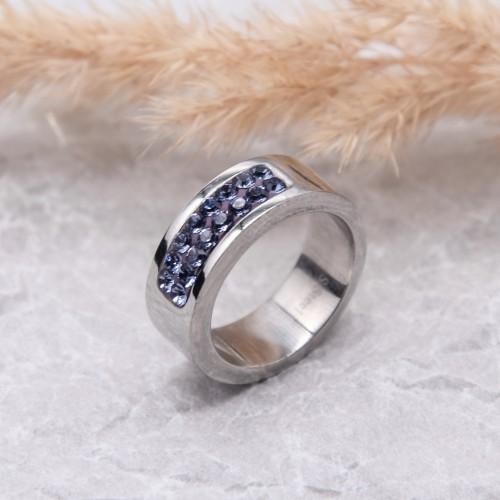 Кольцо женское с фиолетовыми кристаллами Swarovski